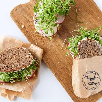 Mags-Frisch-Rezept-Stulle-mit-Kresse-und-Frischkaese-schnellster-gesunder-Snack