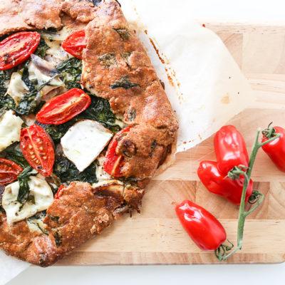 Mags-Frisch-Rezept-Ziegenkaese-Galette-mit-Spinat-und-Tomaten
